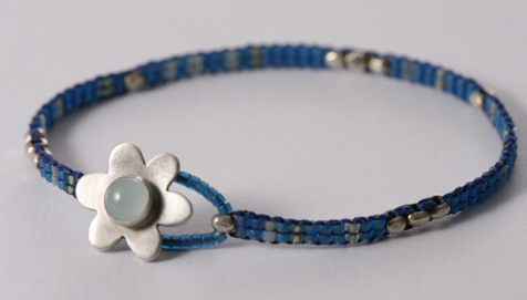 Aquamarine Flower Beaded Bracelet